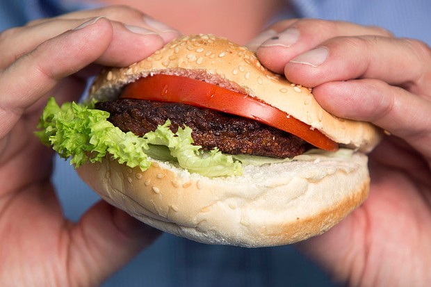 Una hamburguesa de ternera creada a partir de células madre extraídas de una vaca viva © Simon Dawson / Bloomberg a través de Getty Images