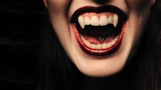 ¿Podría vivir como un vampiro simplemente bebiendo sangre? © iStock