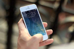 ¿Por qué estamos todo el día usando el celular? » Actualidad Tecnológica